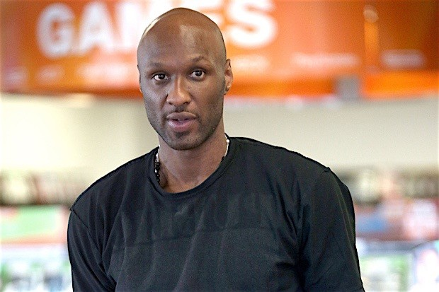 PICS: Lamar Odom Caught Buying Viagra & Allegedly Confronted By Family For Drug Use