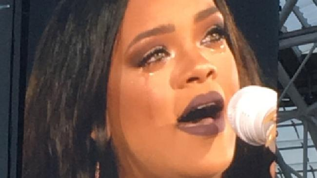 Rihanna Sobs On Stage While Performing In Dublin